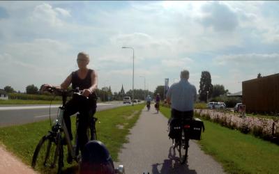 Niet alleen pubers doen raar op de fiets…
